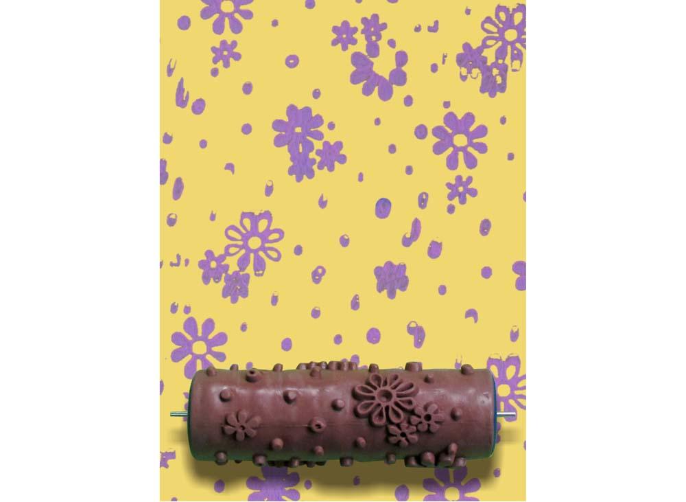 Узорный валик «Ромашка»Узорные валики для декора стен<br>Рамка для узорного валика приобретается отдельно!<br> <br> Узорный валик - универсальное приспособление для декорирования практически любой поверхности - от дерева до ткани. Просто использовать и легко ухаживать - красивый узор получится в любом случае, даже ес...<br><br>Артикул: GR-14