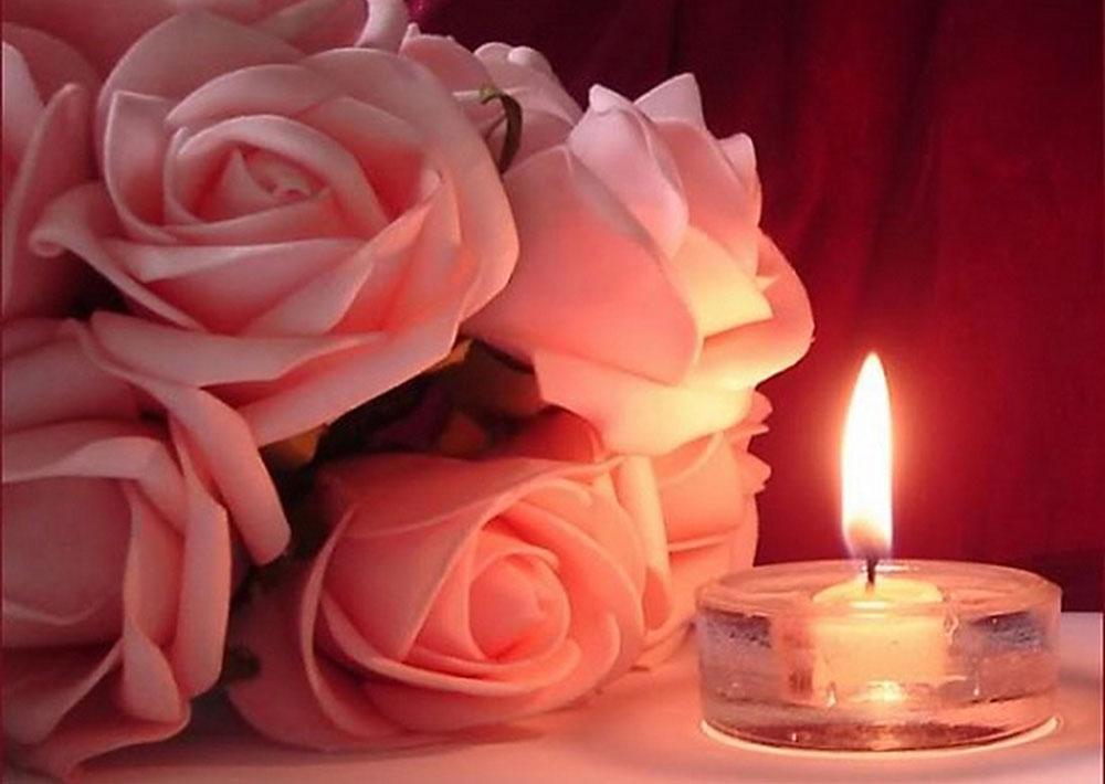 Алмазная вышивка «Розы и свечка»Алмазная вышивка Гранни<br><br><br>Артикул: AG5829<br>Основа: Холст без подрамника<br>Сложность: средние<br>Размер: 38x27 см<br>Выкладка: Полная<br>Количество цветов: 30<br>Тип страз: Квадратные