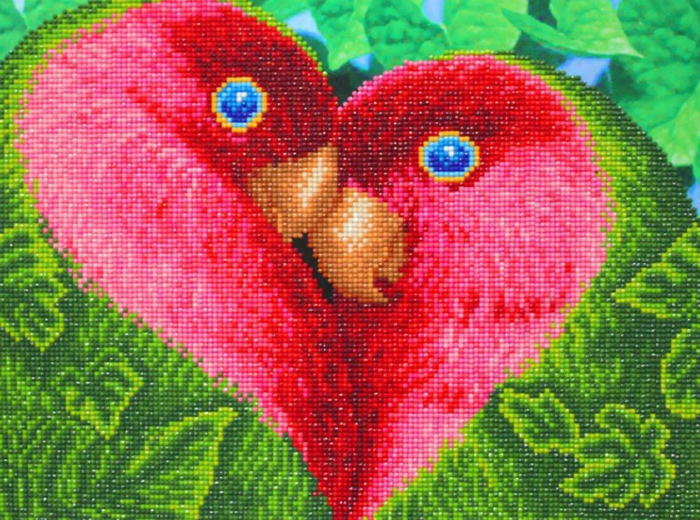 Алмазная вышивка «Любовь»Алмазная вышивка Color Kit (Колор Кит)<br><br><br>Артикул: 10003<br>Основа: Холст без подрамника<br>Сложность: средние<br>Размер: 30x40 см<br>Выкладка: Частичная<br>Количество цветов: 24<br>Тип страз: Круглые непрозрачные (акриловые)