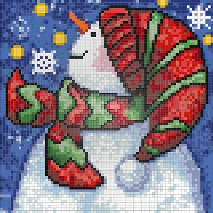 Алмазная вышивка «Новогодний снеговик»Алмазная вышивка<br>Картины стразами бренда «Алмазная Живопись» это:<br><br>четко пропечатанная символьная схема;<br>качественный клеевой слой по всей поверхности холста;<br>большая палитра акриловых страз с 9 гранями, которые, отражая свет, создают эффект объемного изображения.<br>...<br>