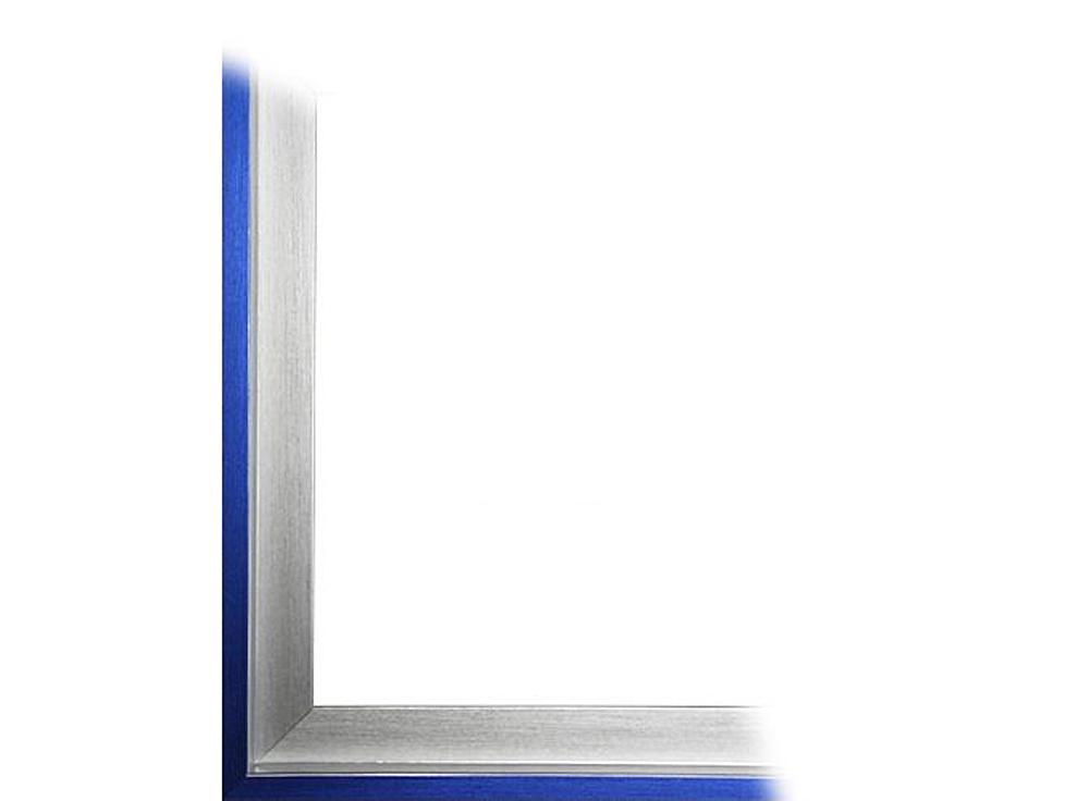 Рамка без стекла для картин «Alisa»Багетные рамки<br>Для картин на картоне. В комплект входит: рамка, задняя подложка, крючок-вешалка. Стекло в комплект не входит. При необходимости приобретайте стекло отдельно.<br><br>Артикул: 0060-50-3152<br>Размер: 50x70 см<br>Цвет: Серебро и синий<br>Ширина: 30<br>Материал багета: Пластик
