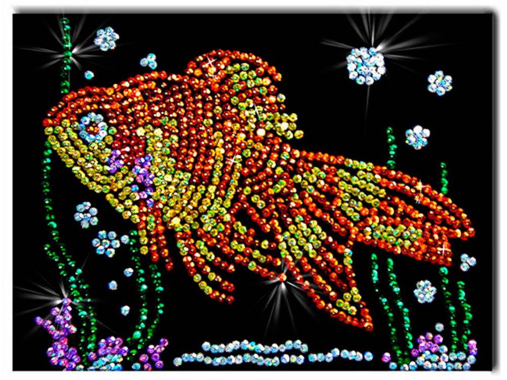 Мозаика из пайеток «Золотая рыбка»Мозаика из пайеток<br><br><br>Артикул: 020<br>Основа: Планшет из пенопласта<br>Размер: 27x36 см<br>Возраст: от 8 лет