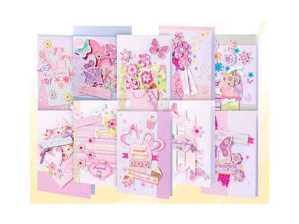 Набор из 10-ти открыток «Волшебство»Наборы для создания открыток<br>Комплектациянабора для создания 10-ти открыток Волшебство:<br><br>-10 заготовок для открыток<br> -10 конвертов<br> -бумага для скрапбукинга<br> -клеевые подушечки<br> -Декоративные элементы: вырубка для бумаги, ленты, пайетки, стразы, полубусины.<br><br>Артикул: 250-SB<br>Размер: 11,5x17
