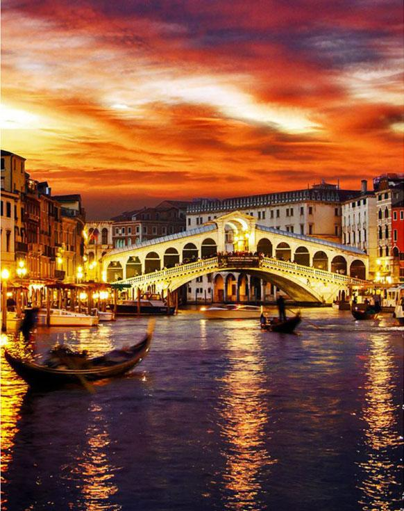 Стразы «Ночная Венеция»Алмазная вышивка Гранни<br><br><br>Артикул: AG639<br>Основа: Холст без подрамника<br>Сложность: средние<br>Размер: 38x48 см<br>Выкладка: Полная<br>Количество цветов: 50<br>Тип страз: Квадратные