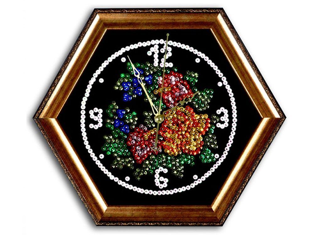 Мозаика из пайеток часы «Розы»Мозаика из пайеток<br>Набор мозаики из пайеток содержит все, что нужно дл творческого процесса:<br>- основу-планшет из пенопласта;<br>- фон с точечной разметкой расположени паейток по цветам;<br>- разноцветные пайетки;<br>- специальные гвоздики-булавочки;<br>- багетну рамку дл готовой ра...<br><br>Артикул: ч03<br>Основа: Планшет из пенопласта<br>Размер: 44x38 см<br>Возраст: от 8 лет