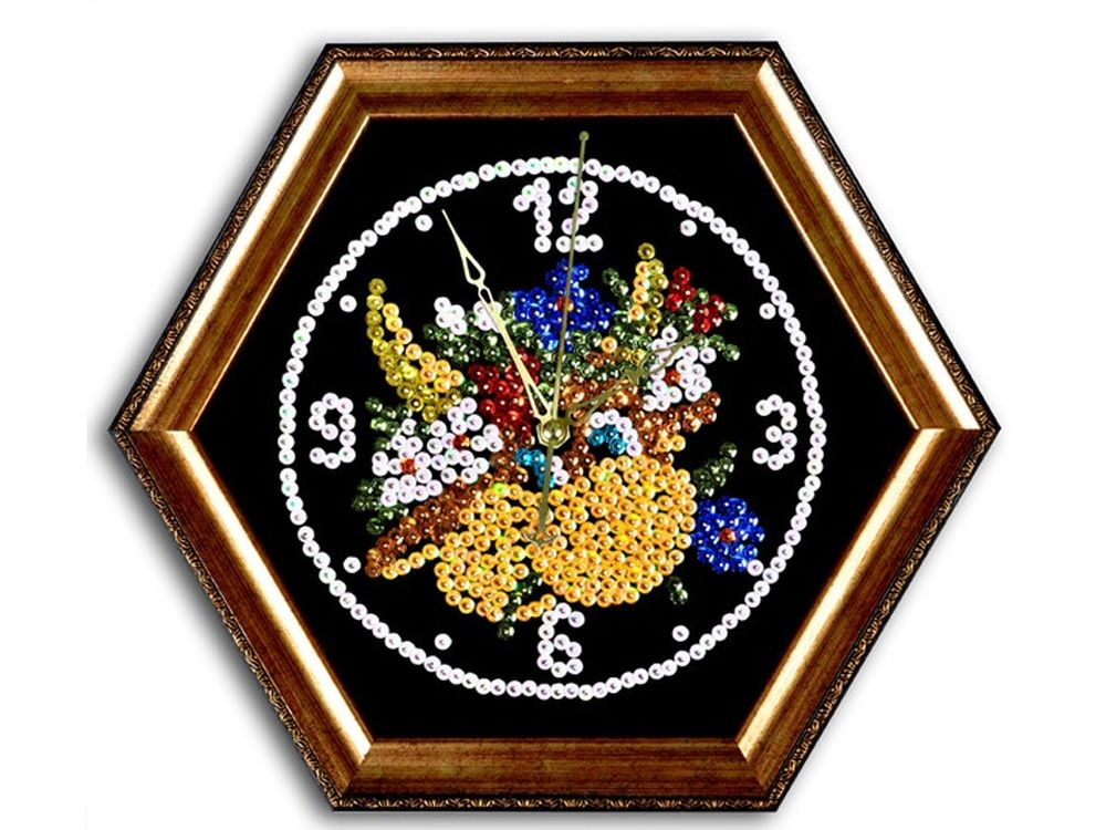 Мозаика из пайеток часы «Буренка»Мозаика из пайеток<br>Набор мозаики из пайеток содержит все, что нужно для творческого процесса:<br>- основу-планшет из пенопласта;<br>- фон с точечной разметкой расположения паейток по цветам;<br>- разноцветные пайетки;<br>- специальные гвоздики-булавочки;<br>- багетную рамку для готовой ра...<br><br>Артикул: ч05<br>Основа: Планшет из пенопласта<br>Размер: 44x38<br>Возраст: от 8 лет