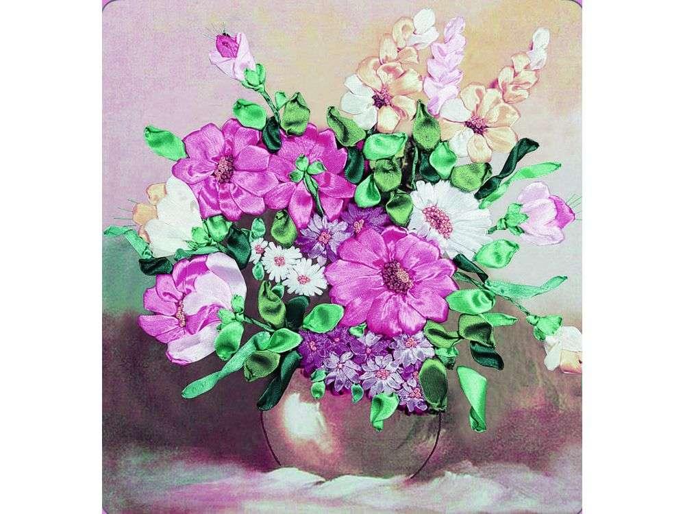 """Картина лентами «Любимые цветы»Цветной<br>Уникальный набор вышивки лентами от производителя """"Цветной"""" - прекрасная возможность освоить новый вид творчества.<br><br>Вышивка лентами набирает популярность благодаря великолепному результату, объемные картины из атласных лент и органзы может вышить каждый, ...<br><br>Артикул: C-0081<br>Сложность: средние<br>Размер: 45x48<br>Техника вышивки: ленты<br>Заполнение: Частичное"""