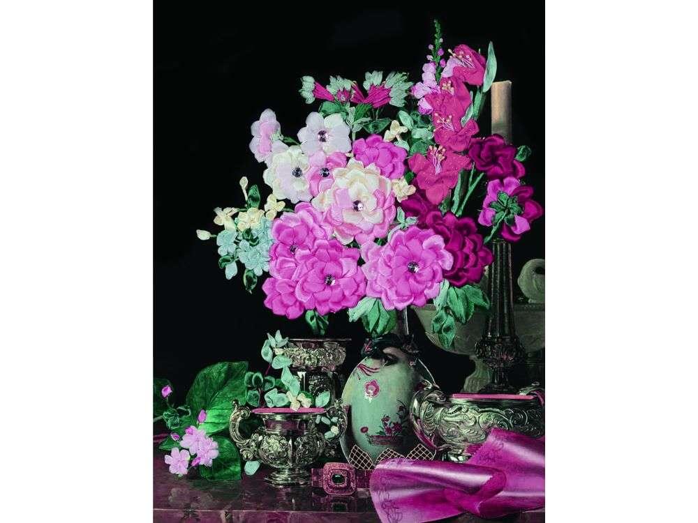 """Вышивка лентами «Цветы в антикварной вазе»Цветной<br>Уникальный набор вышивки лентами от производителя """"Цветной"""" - прекрасная возможность освоить новый вид творчества.<br><br>Вышивка лентами набирает популярность благодаря великолепному результату, объемные картины из атласных лент и органзы может вышить каждый, ...<br><br>Артикул: C-0083<br>Сложность: средние<br>Размер: 45x55 см<br>Техника вышивки: ленты<br>Заполнение: Частичное<br>Техника: Вышивка лентами"""