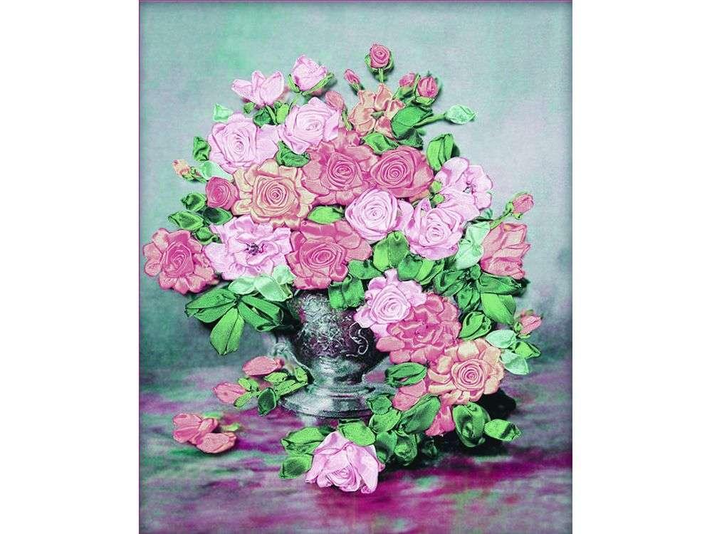 """Картина лентами «Ваза с розами»Цветной<br>Уникальный набор вышивки лентами от производителя """"Цветной"""" - прекрасная возможность освоить новый вид творчества.<br><br>Вышивка лентами набирает популярность благодаря великолепному результату, объемные картины из атласных лент и органзы может вышить каждый, ...<br><br>Артикул: C-0084<br>Сложность: средние<br>Размер: 47x55 см<br>Техника вышивки: ленты<br>Заполнение: Частичное<br>Техника: Вышивка лентами"""