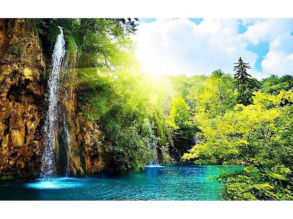 Стразы «Водопад»Яркие Грани<br><br><br>Артикул: DS123<br>Основа: Холст без подрамника<br>Сложность: сложные<br>Размер: 80x50 см<br>Выкладка: Полная<br>Количество цветов: 58<br>Тип страз: Квадратные