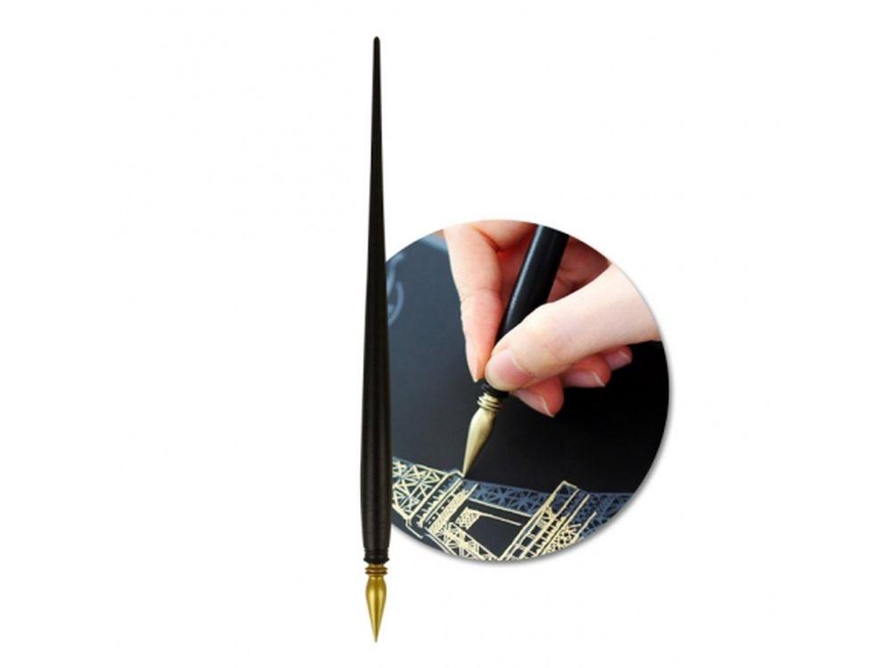 Ручка-перо для работы в технике граттажРаскраски в стиле граттаж (Скретч-картины)<br>Комплектация любого набора скретч-картин, открыток, альбомов включает обычную скретч-ручку, однако у каждого есть возможность приобрести ручку-перо премиум-класса.<br><br>Принцип скретч-картин прост, все, что нужно сделать – это «сцарапать» серебристое покрытие...<br><br>Артикул: LAGOPEN