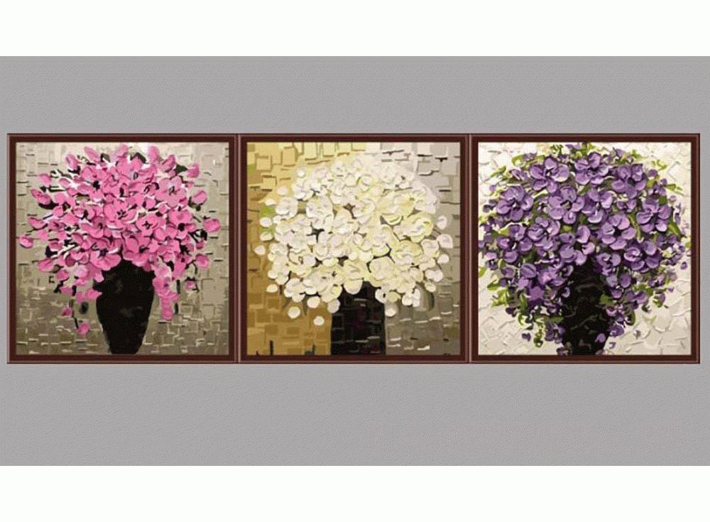 """Три букетаЦветной (Premium)<br>Триптих неверотной красоты """"Три букета"""" идеально впишетс в лбой интерьер. Картина по номерам как будто написана в технике импасто, когда густые краски накладыватс на холст, создава фактурну, рельефну поверхность. Некоторые художники использут дл...<br><br>Артикул: MT3065_Z<br>Основа: Холст<br>Сложность: сложные<br>Размер: 3 шт. 50x50 см<br>Количество цветов: 34<br>Техника рисовани: Без смешивани красок"""