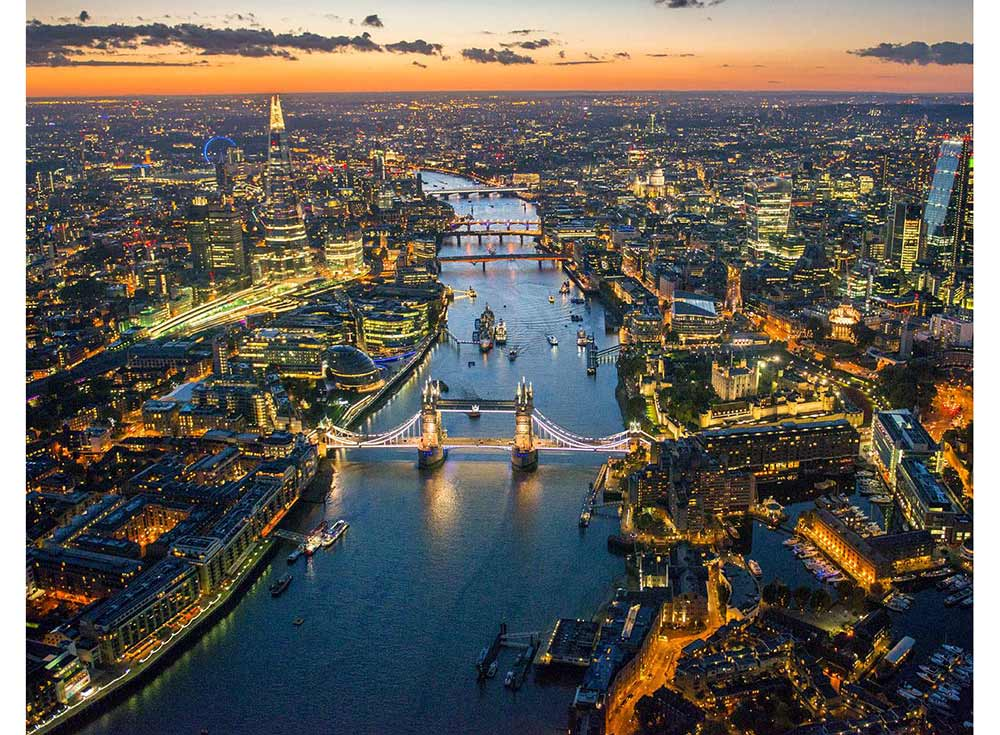 «Вид на вечерний Лондон»Цветной (Standart)<br><br><br>Артикул: GX8913_Z<br>Основа: Холст<br>Сложность: средние<br>Размер: 40x50 см<br>Количество цветов: 24<br>Техника рисования: Без смешивания красок
