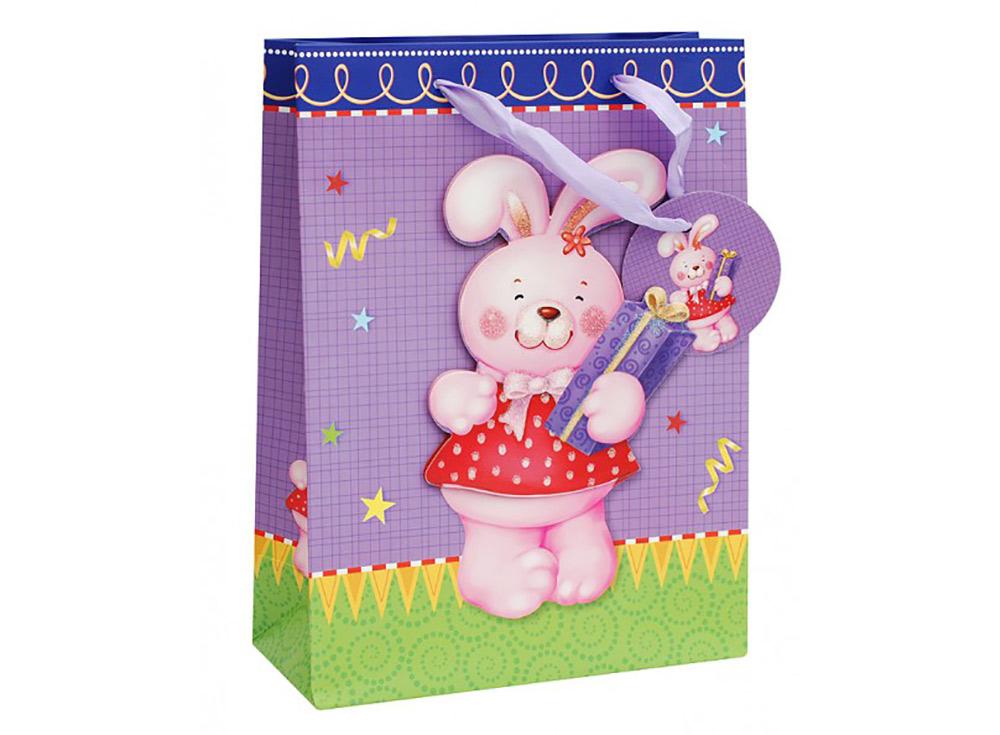 Подарочный пакет «Розовый зайка»Подарочные пакеты<br>Оригинальный пакет для упаковки подарка - это:<br> - качественная плотная бумага;<br> <br>- объемные элементы для украшения;<br> <br>- яркая и четкая печать рисунка;<br> <br>- укрепленное дно.<br> <br> Ваш подарок будет упакован стильно и качественно.<br><br>Артикул: 1037-SB<br>Размер: 18x24x8 см