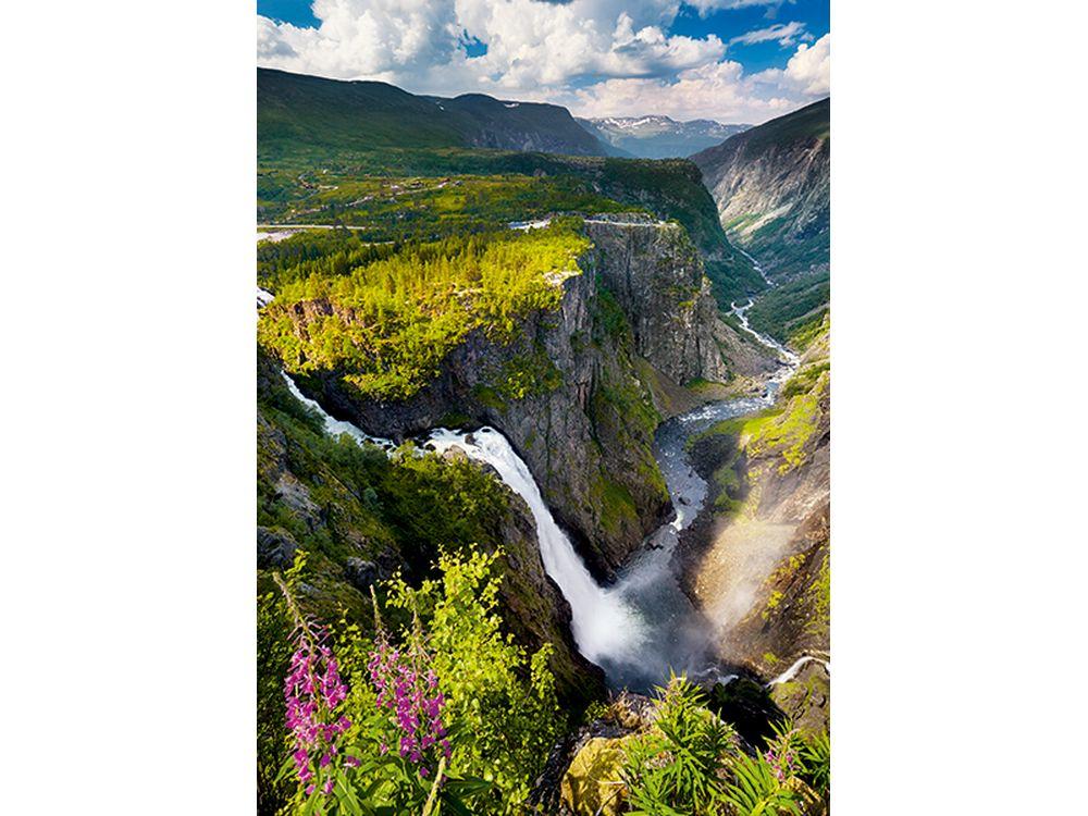 Пазлы «Водопад Верингсфоссен в Норвегии»Trefl<br>Пазл - игра-головоломка, мозаика, состоящая из множества фрагментов, различающихся по форме.<br> По мнению психологов, игра в пазлы способствует развитию логического мышления, внимания, воображения и памяти. Пазлы хороши для всех возрастов - и ребенка-дошко...<br><br>Артикул: 10382<br>Размер: 68,3x48 см