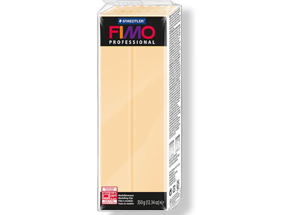 FIMO Professional 02 (шампань) 350 гПолимерная глина FIMO<br>Полимерная глина FIMO Professional используется мастерами и художниками для изделий профессионального уровня - украшений, бижутерии, предметов декора с филигранным моделированием.<br> <br> Характеристика:<br><br>FIMO Professional - усовершенствованная формул...<br><br>Артикул: 8001-02<br>Вес: 350 г<br>Цвет: Шампань<br>Серия: FIMO Professional