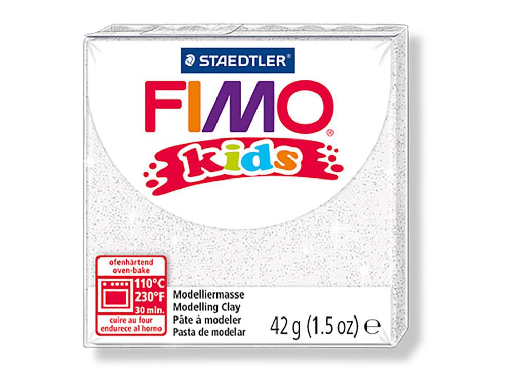 FIMO Kids 052 (блестящий белый)Полимерная глина FIMO<br>FIMO Kids - специальная серия мягкой полимерной глины для детей. Идеально подходит для лепки фигурок, цветов, сувениров, игрушек.<br> <br> Характеристика:<br> - мягкая консистенция глины (не нужно прилагать усилий для размягчения, она уже достаточно мягкая для ...<br><br>Артикул: 8030-052<br>Вес: 42 г<br>Цвет: Блестящий белый<br>Серия: FIMO Kids
