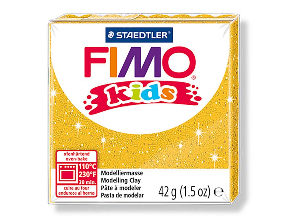 FIMO Kids 112 (блестящий золотой)Полимерная глина FIMO<br>FIMO Kids - специальная серия мягкой полимерной глины для детей. Идеально подходит для лепки фигурок, цветов, сувениров, игрушек.<br> <br> Характеристика:<br> - мягкая консистенция глины (не нужно прилагать усилий для размягчения, она уже достаточно мягкая для ...<br><br>Артикул: 8030-112<br>Вес: 42 г<br>Цвет: Блестящий золотой<br>Серия: FIMO Kids