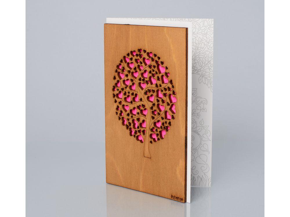 Деревянная открытка «Дерево любви»Деревянные открытки<br>Деревянные открытки и денежные конверты - прекрасная возможность сделать яркий подарок для тех, кто ценит оригинальность, однако не забывает о традициях. И креативность такого презента заключена не только в необычной деревянной первой странице, ведь в...<br><br>Артикул: 1.2.1<br>Размер см: 16x10,6<br>Материал: Дерево, бумага<br>Упаковка: прозрачная полиэтиленовая пленка-конверт