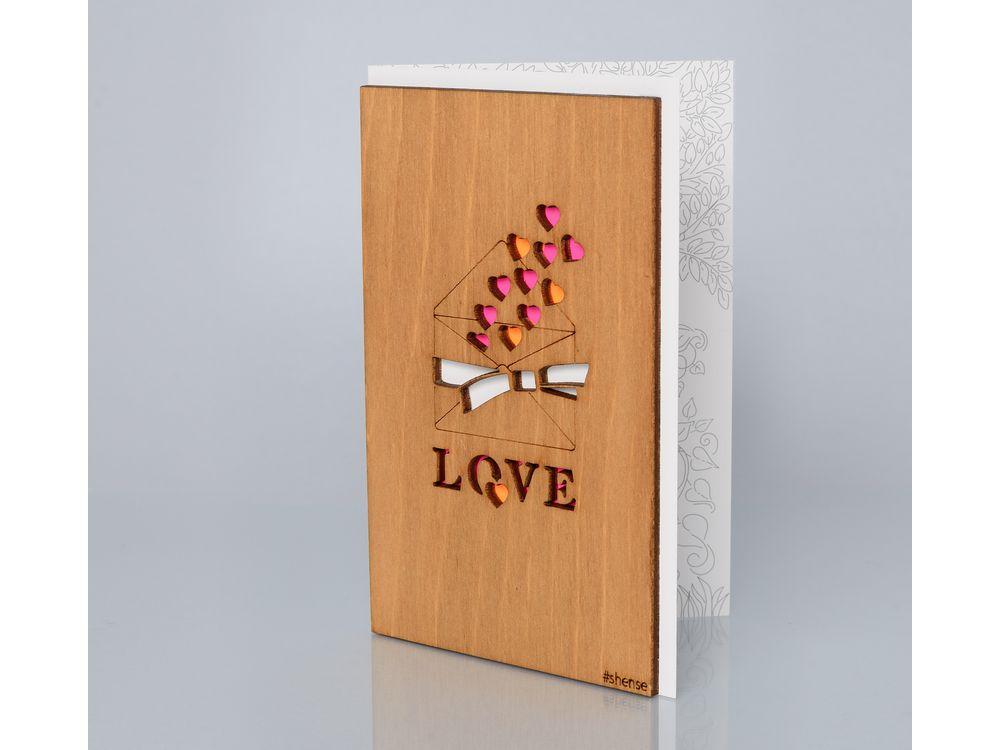 Открытка «Письмо с любовью»Деревянные открытки<br>Деревянные открытки и денежные конверты - прекрасная возможность сделать яркий подарок для тех, кто ценит оригинальность, однако не забывает о традициях. И креативность такого презента заключена не только в необычной деревянной первой странице, ведь в...<br><br>Артикул: 126<br>Размер: 160 х 106 мм<br>Материал: Дерево, бумага