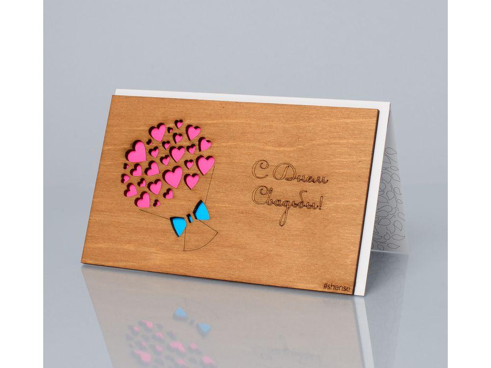 Открытка «С днем свадьбы! (Букет из сердечек)»Деревянные открытки<br>Деревянные открытки и денежные конверты - прекрасная возможность сделать яркий подарок для тех, кто ценит оригинальность, однако не забывает о традициях. И креативность такого презента заключена не только в необычной деревянной первой странице, ведь внутр...<br><br>Артикул: 154<br>Размер: 160 х 106 мм<br>Материал: Дерево, бумага