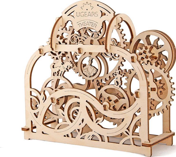 3D-пазл Ugears «Театр»Ugears<br>Механический театр от компании Ugears, является 3D-деревянным конструктором с множеством движущихся деталей, а так же интересным и необычным подарком и сувениром, который не оставит ни кого равнодушным.<br><br> Данная модель вызовет восторг у ваших родных...<br><br>Артикул: 70002<br>Размер: 21x19x8 см<br>Расчетное время сборки: 1-2 часа<br>Материал: Дерево<br>Размер упаковки: 37x17x3 см<br>Возраст: от 14 лет