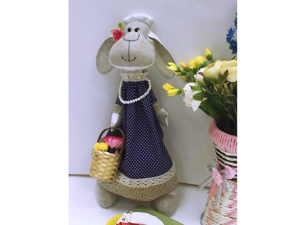 Набор для шитья «Овечка Цветочница»Наборы для шитья кукол<br><br><br>Артикул: DIE002<br>Основа: Текстиль<br>Сложность: очень сложные<br>Размер: Высота готовой игрушки 35 см<br>Техника: Шитье<br>Упаковка: Пакет