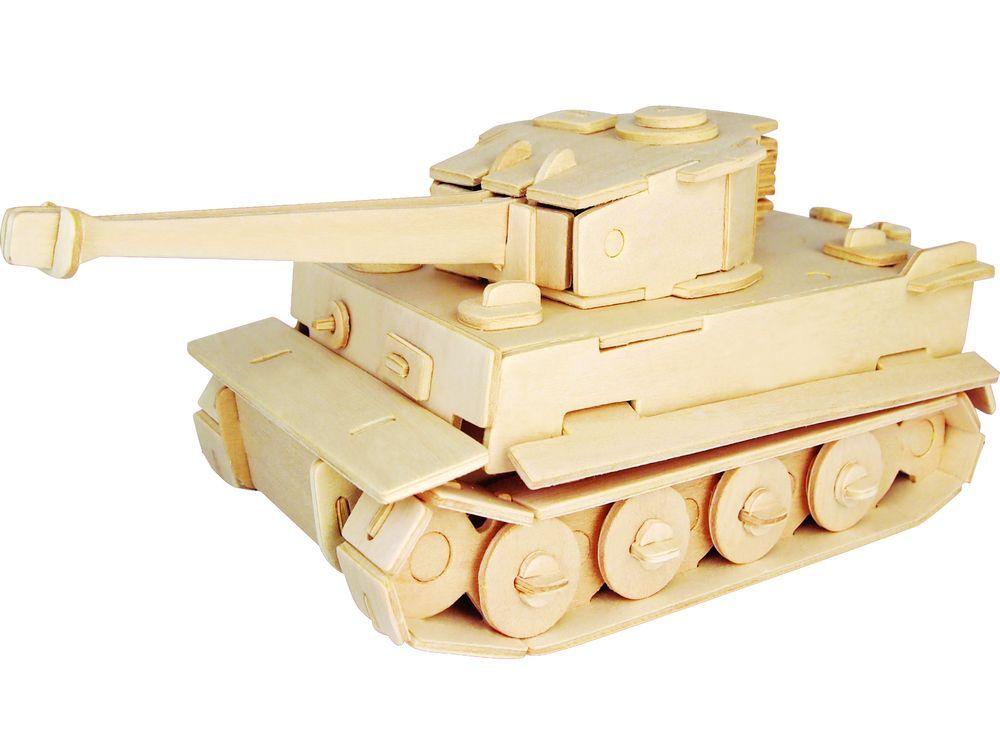 Конструктор «Танк Тигр МК1»Сборные деревянные модели<br>Конструкторы от производителя Чудо-дерево для детей и взрослых, для подарка и личного интересного досуга – теперь на Цветное.ру. Многообразие моделей позволит сделать выбор даже самому требовательному покупателю. <br> <br> Приобретая конструктор от производит...<br><br>Артикул: P322<br>Вес: 0,42 кг<br>Размер готовой модели: 11x26x10 см<br>Материал: Дерево<br>Упаковка: прозрачная пленка<br>Размер упаковки: 37,0 x 0,9 x 23,0 см<br>Количество пластин заготовок шт: 3<br>Размер пластин: 23x37x0,3 см<br>Возраст: от 5 лет
