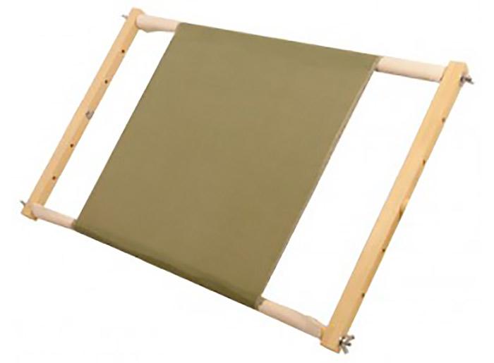 Рамка-пяльцы РП-300Аксессуары для вышивки<br>Рамка-пяльцы для вышивания – надежный и удобный в использовании дополнительный аксессуар для любителей вышивки:<br> - регулируемая высота рабочей зоны (отверстия в планках позволяют варьировать ширину полотна);<br> <br>- натягивающие планки с корсажной лентой в...<br><br>Артикул: 1006<br>Размер: рабочая зона - 30x34 см<br>Материал: Береза<br>Вес модели: 0,5 кг