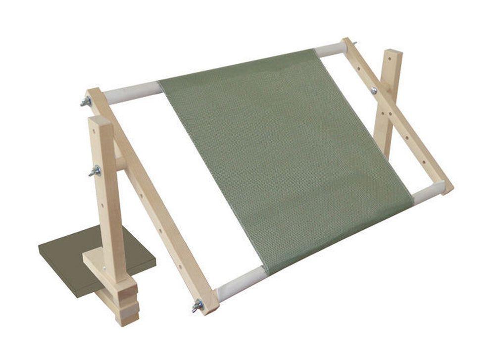 Станок для вышивания НС-550Аксессуары для вышивки<br>Станок настольный регулируется по высоте. Крепление к столешнице толщиной от 16 до 32 мм. Есть возможность установки рам размером от 20 до 100 см. Круговое вращение рамы - 360 градусов.<br><br>Артикул: 1002<br>Размер: 41x70 см<br>Вес: 2,5 кг<br>Материал: Берёза<br>Габаритный размер: 55x34 см
