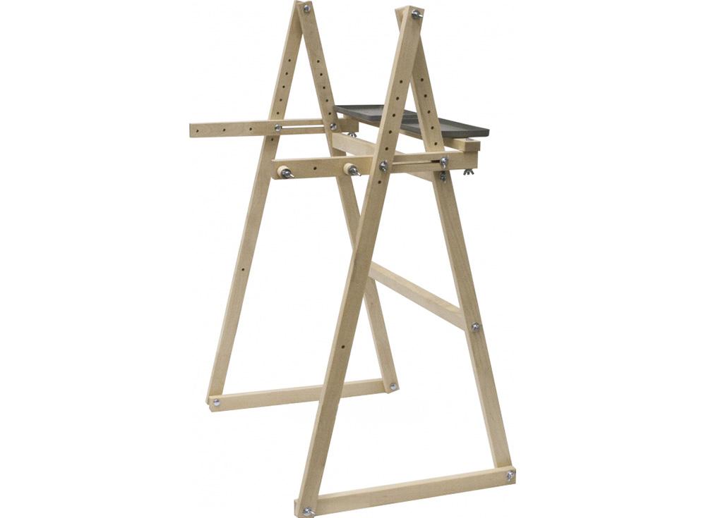 Держатель рамы «Пирамида»Аксессуары для алмазной живописи<br>Держатель под раму 55 см по ширине, для рамки-пялец РПК-550, рамки-пялец РП-550, рамки-станка для выкладки мозаики АР-550;<br>Устойчивая конструкция с регулируемой высотой;<br><br>В комплект включены две полочки;<br>На держатель можно закрепить большую лам...<br><br>Артикул: 1083<br>Размер: рабочая зона - 55 см в ширину<br>Вес: 2,3 кг<br>Материал: Дерево (береза)<br>Габаритный размер: 100x71x50