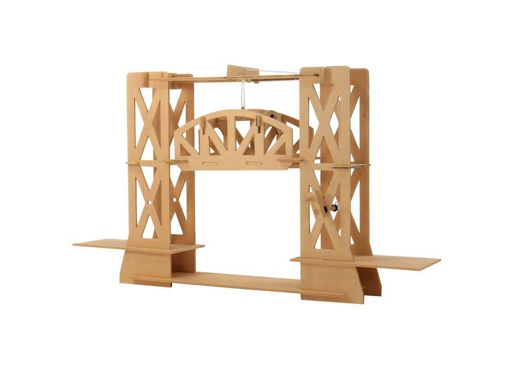3D-конструктор «Мост подъемный D-012»Конструкторы Pathfinders<br>Мост подъемный<br> Подъемный мост — неотъемлемая часть волшебных рыцарских замков, оплот безопасности и обороны от всех внешних врагов. Ваш ребенок наверняка видел, как используется такой мост в приключенческих мультфильмах. А теперь он сможет собрать его с...<br><br>Артикул: 2664<br>Размер: 63x10x33 см<br>Материал: Дерево<br>Вес упаковки: 310 г<br>Размер упаковки: 6x33x1 см<br>Возраст: от 7 лет