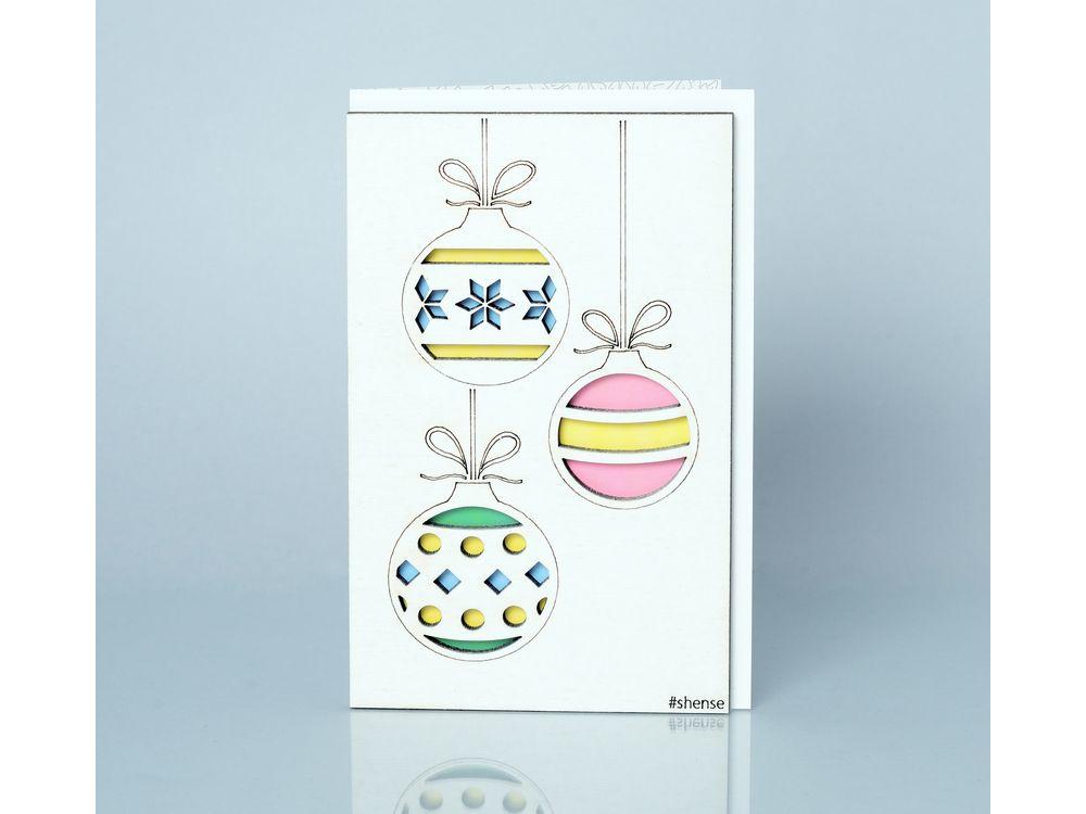 Деревянная открытка «Ёлочные игрушки»Деревянные открытки<br>Деревянные открытки и денежные конверты - прекрасная возможность сделать яркий подарок для тех, кто ценит оригинальность, однако не забывает о традициях. И креативность такого презента заключена не только в необычной деревянной первой странице, ведь в...<br><br>Артикул: 2.8.3<br>Размер см: 16x10,6<br>Материал: Дерево, бумага<br>Упаковка: прозрачная полиэтиленовая пленка-конверт