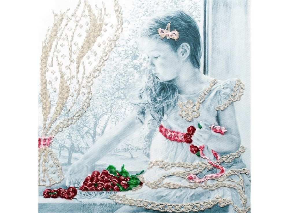 Набор вышивки бисером «Девочка с вишнями»