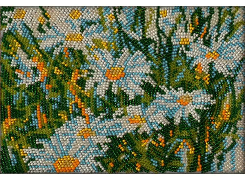 Набор вышивки бисером «В мае»Вышивка бисером Вышиваем бисером<br><br><br>Артикул: В-100<br>Основа: ткань<br>Размер: 12х19 см<br>Техника вышивки: вышивка бисером по спирали<br>Тип схемы вышивки: Цветная схема<br>Рисунок на канве: нанесена схема<br>Техника: Вышивка бисером