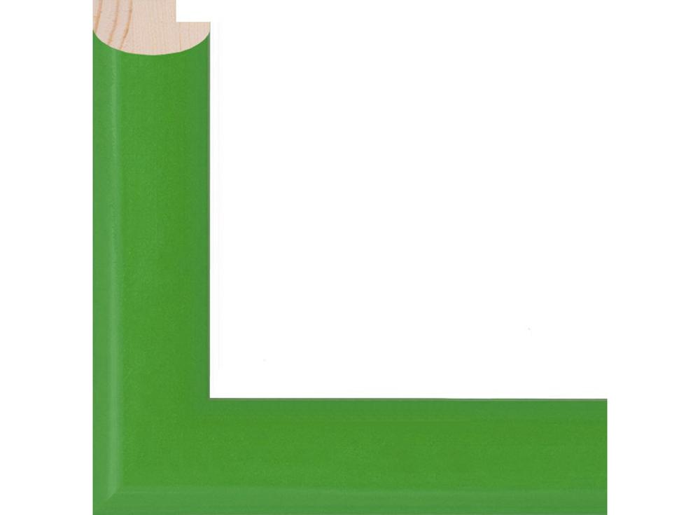 Рамка без стекла для картин «Bella»Багетные рамки<br>Для картин на картоне, картин на холсте, алмазной вышивки. В комплект входит: рамка, задняя подложка, крючок-вешалка. Стекло в комплект не входит. При необходимости приобретайте стекло отдельно.<br><br>Артикул: 0090-15-0008<br>Размер: 30x40 см<br>Цвет: Зеленый<br>Ширина: 20<br>Материал багета: Дерево