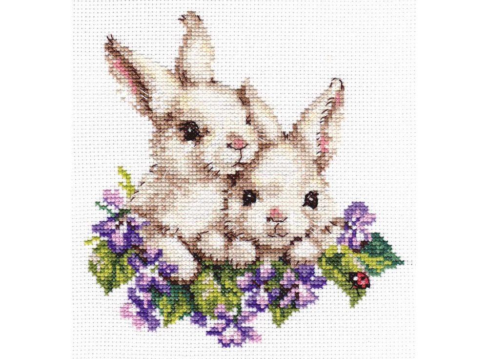 Набор для вышивания «Крольчата»Вышивка крестом Алиса<br><br><br>Артикул: 1-11<br>Основа: канва Aida 14 100% хлопок Gamma<br>Размер: 15х16 см<br>Тип схемы вышивки: Цветная схема<br>Цвет канвы: Белый<br>Количество цветов: 19<br>Рисунок на канве: не нанесён<br>Техника: Вышивка крестом<br>Нитки: мулине 100% хлопок Gamma