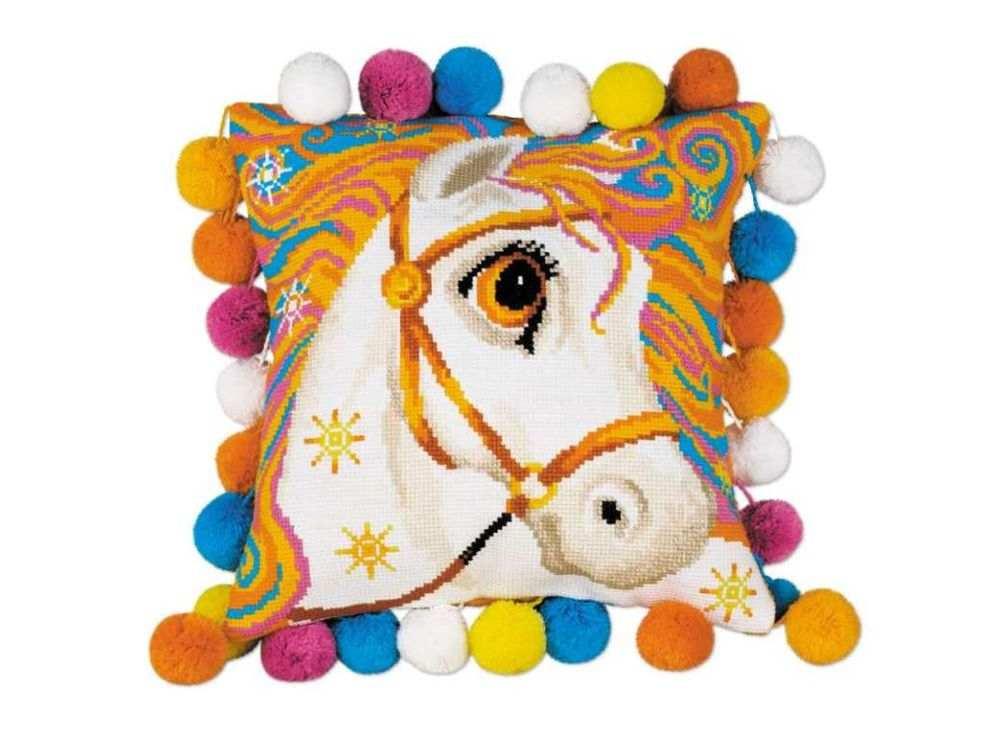 Набор для вышивания «Подушка. Златогривая лошадка»Вышивка подушек Риолис<br><br><br>Артикул: 1380<br>Основа: канва 10 Aida Zweigart<br>Размер: 30x30 см<br>Техника вышивки: счетный крест<br>Серия: Риолис (Сотвори Сама)<br>Тип схемы вышивки: Цветная схема<br>Цвет канвы: Белый<br>Количество цветов: 11<br>Художник, дизайнер: Анна Король<br>Заполнение: Полное<br>Рисунок на канве: не нанесён<br>Техника: Вышивка подушек