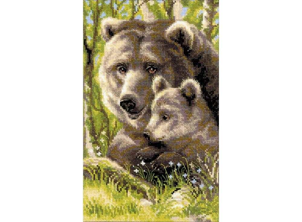 Набор для вышивания «Медведица с медвежонком»Вышивка крестом Риолис<br><br><br>Артикул: 1438<br>Основа: канва 10 Aida Zweigart<br>Размер: 22х38 см<br>Техника вышивки: счетный крест<br>Серия: Риолис (Сотвори Сама)<br>Тип схемы вышивки: Цветная схема<br>Цвет канвы: Белый<br>Количество цветов: 24<br>Художник, дизайнер: Алина Мелентьева<br>Заполнение: Полное<br>Рисунок на канве: не нанесён<br>Техника: Вышивка крестом