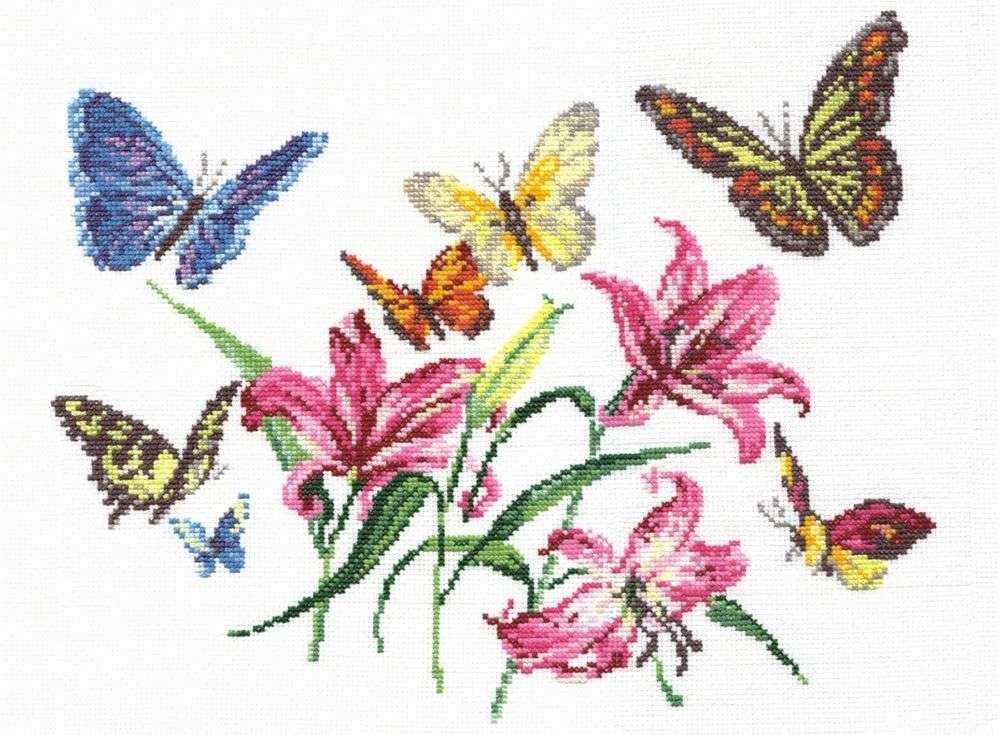 Набор для вышивания «Лилии и бабочки»Вышивка крестом Чудесная игла<br><br><br>Артикул: 42-05<br>Основа: канва Aida 14 (хлопок)<br>Сложность: легкие<br>Размер: 32х36 см<br>Техника вышивки: счетный крест<br>Тип схемы вышивки: Цветная схема<br>Цвет канвы: Белый<br>Количество цветов: 20<br>Игла: № 24<br>Техника: Вышивка крестом