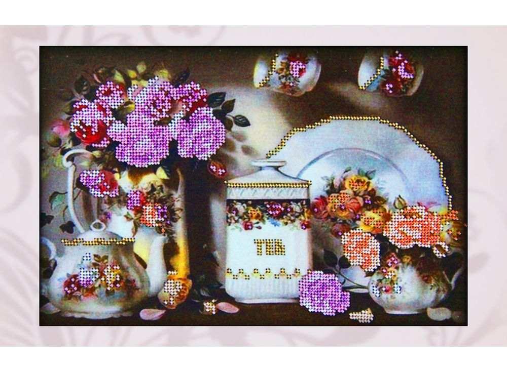 Набор вышивки бисером «Чайный сервиз»Вышивка бисером Астрея (Глурия)<br><br><br>Артикул: 50067<br>Основа: габардин<br>Размер: 20х30 см<br>Техника вышивки: бисер<br>Тип схемы вышивки: Цветная схема<br>Количество цветов: 6<br>Заполнение: Частичное<br>Рисунок на канве: нанесён рисунок и схема<br>Техника: Вышивка бисером