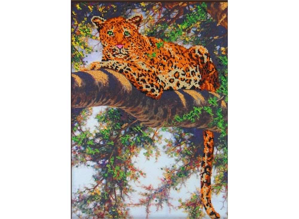 Набор вышивки бисером «Леопард на дереве»Вышивка бисером Астрея (Глурия)<br><br><br>Артикул: 63005<br>Основа: габардин<br>Размер: 30х40 см<br>Техника вышивки: бисер<br>Тип схемы вышивки: Цветная схема<br>Количество цветов: 10<br>Заполнение: Частичное<br>Рисунок на канве: нанесён рисунок и схема<br>Техника: Вышивка бисером
