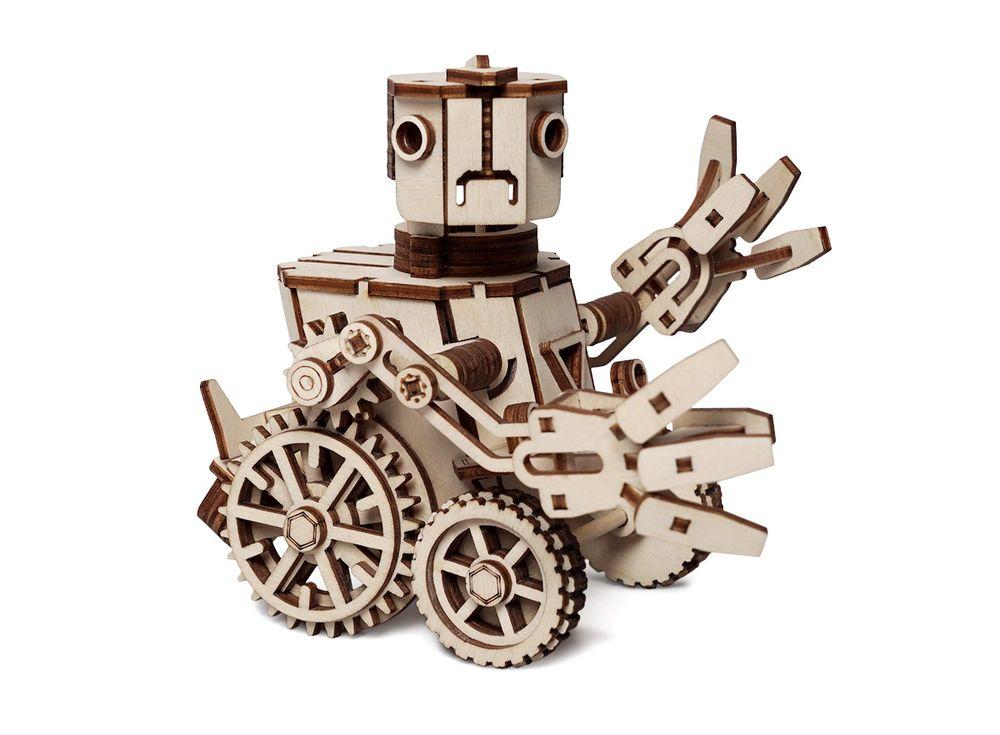 Конструктор «Робот Макс»3D Конструкторы Lemmo<br>Экологически чистые, развивающие конструкторы от российского производителя Lemmo помогут вашему ребенку развить мелкую моторику рук, воображение, пространственное мышление, логику и познакомят с предметным моделированием.<br> <br> Все детали выполнены из ка...<br><br>Артикул: 00-61<br>Размер готовой модели: 16x15x13,5 см<br>Материал: дерево (фанера)<br>Возраст: от 5 лет