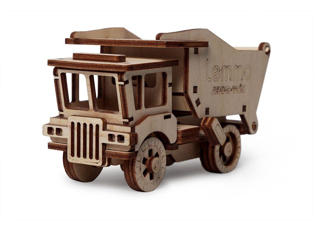 Конструктор «Самосвал Сэм»3D Конструкторы Lemmo<br>Экологически чистые, развивающие конструкторы от российского производителя Lemmo помогут вашему ребенку развить мелкую моторику рук, воображение, пространственное мышление, логику и познакомят с предметным моделированием.<br> <br>Все детали выполнены из кач...<br><br>Артикул: 00-62<br>Размер готовой модели: 12x7x6 см<br>Материал: дерево (фанера)<br>Возраст: от 5 лет