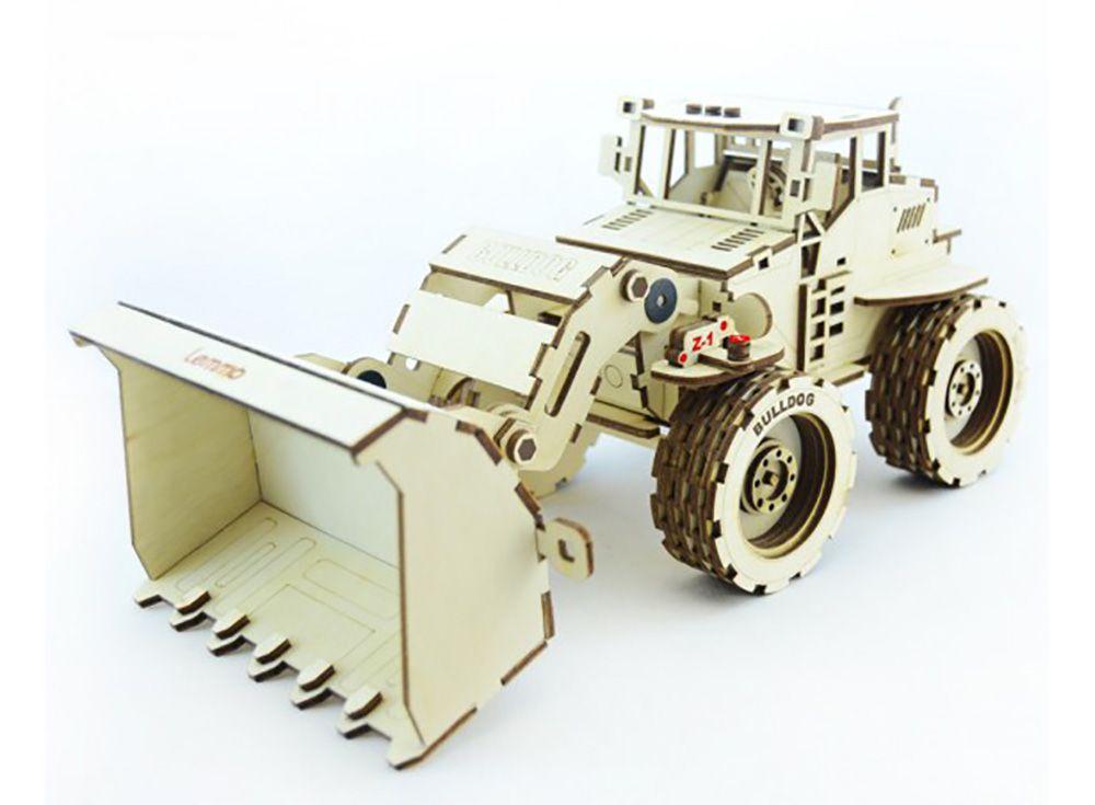 Конструктор «Трактор Бульдог»3D Конструкторы Lemmo<br>Экологически чистые, развивающие конструкторы от российского производителя Lemmo помогут вашему ребенку развить мелкую моторику рук, воображение, пространственное мышление, логику и познакомят с предметным моделированием.<br> <br>Все детали выполнены из кач...<br><br>Артикул: Б-1<br>Вес: 580 г<br>Размер готовой модели: 30,5x13,5x14,5 см<br>Материал: дерево (фанера)<br>Возраст: от 5 лет