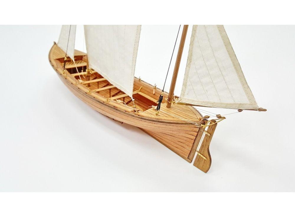 Модель для сборки Спасательный вельбот «Ксения» 1:36Сборные деревянные модели<br><br><br>Артикул: LSM0501<br>Вес: 500 г<br>Размер готовой модели: 29,5x24x8,2 см<br>Материал: Дерево (фанера)<br>Возраст: от 12 лет