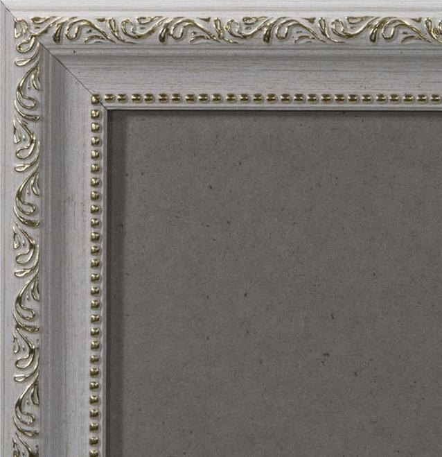 Рамка без стекла для картин «Lady»Багетные рамки<br><br><br>Артикул: 2130/38<br>Размер: 21x30 см<br>Цвет: Белый и золото<br>Ширина: 30 мм<br>Материал багета: Пластик<br>Толщина: 9 мм<br>Глубина багета: 9 мм