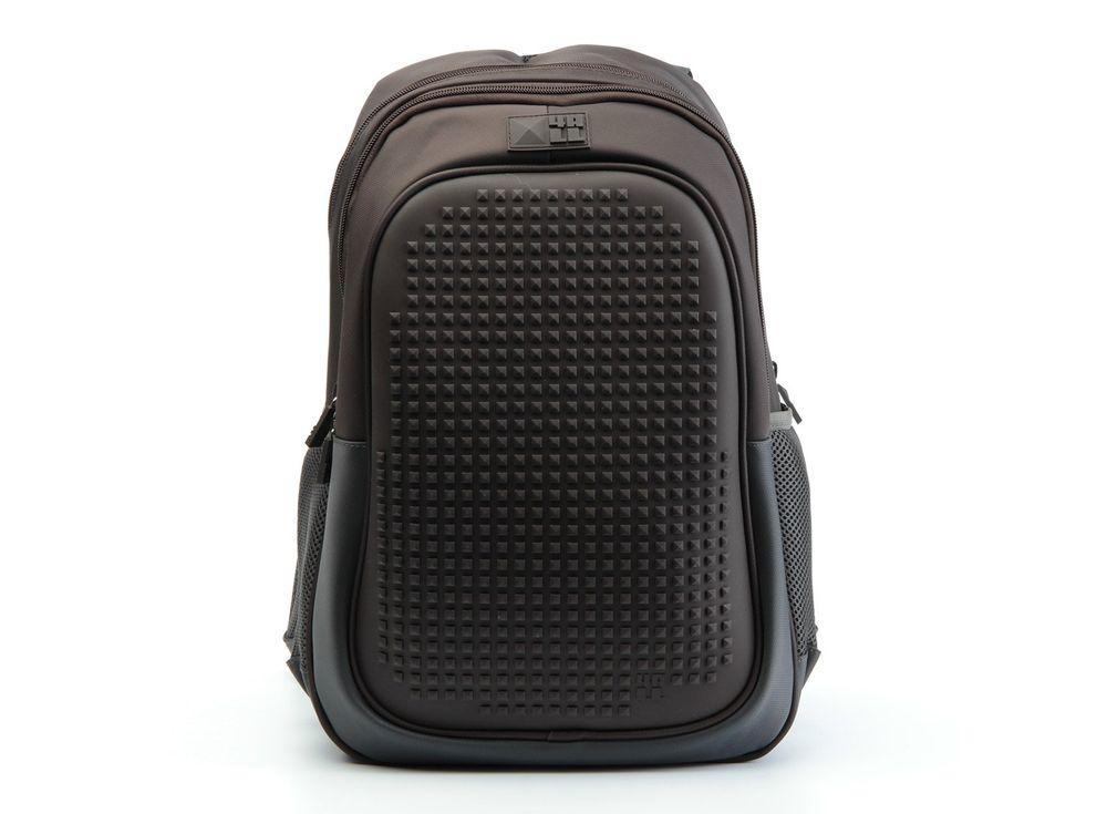Рюкзак 4ALL Case с битами, коричневыйПиксельные рюкзаки<br><br><br>Артикул: RT63-02N<br>Вес: 700 г<br>Размер готовой модели: 29x19x41 см<br>Цвет: Коричневый<br>Серия: 4ALL Case<br>Материал: Полиэстер/силикон<br>Объем: 19 л<br>Возраст: от 10 лет<br>Размер битов: Большие<br>Цвета битов на выбор: 16 цветов<br>Цвета силиконовой панели на выбор: 3 цвета