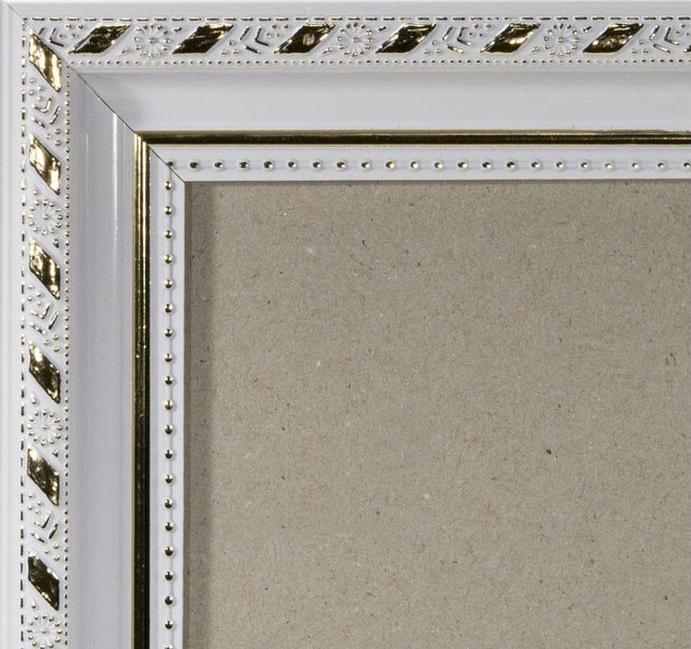 Рамка без стекла для картин «Ariel»Багетные рамки<br><br><br>Артикул: g3848/35<br>Размер: 38x48 см<br>Цвет: Белый и золото<br>Ширина: 35 мм<br>Материал багета: Пластик