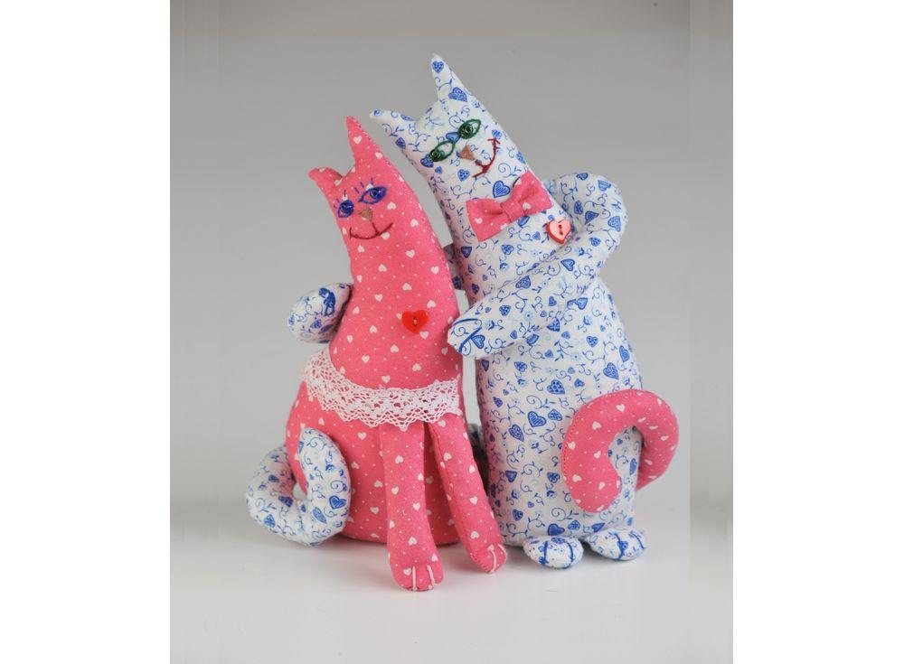 Набор для шитья «Влюбленные коты»Наборы для шитья игрушек<br><br><br>Артикул: ПЛ-402<br>Основа: Текстиль<br>Сложность: средние<br>Размер: Высота: 26 см<br>Серия: Про любовь<br>Техника: Шитье<br>Размер упаковки: 15x23 см<br>Возраст: от 10 лет